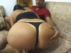 Brasileira gostosa tendo seu cu arrombado