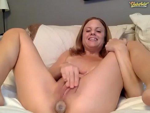 Loira gozando com webcam na masturbação