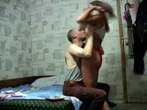 Novinha dando a buceta para vovô