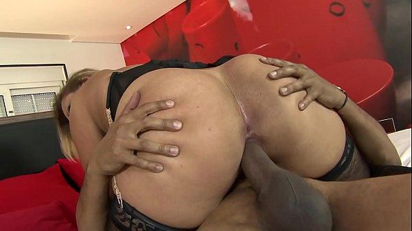 Video de sexo com gostosa morena e negão