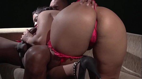 Yara gostosa fez oral deu a buceta e o cu