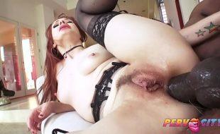 Ruiva da buceta carnuda fez anal hardcore